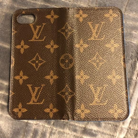 new concept 648b5 26d0c Authentic Louis Vuitton iPhone 7/8 regular case